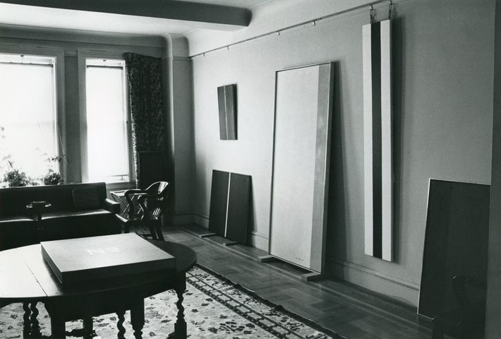 Barnett and Annalee Newman's apartment at 685 West End Avenue, 1951. Photo by Robert Murray